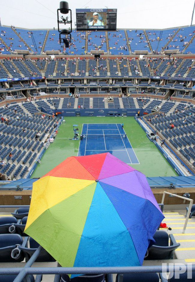 Rain delays the Maria Sharapova versus Marion Bartoli quarterfinal match at the U.S. Open in New York