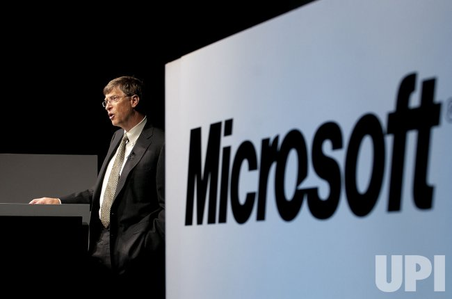 Bill gates press conference in Japan