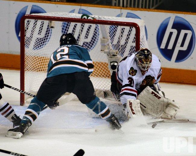 Blackhawks defeat the Sharks in San Jose, California
