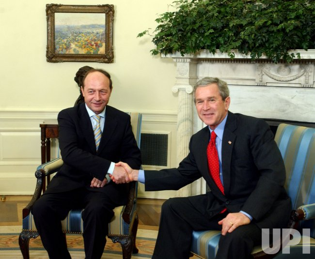 PRESIDENT BUSH MEETS WITH ROMANIAN PRESIDENT