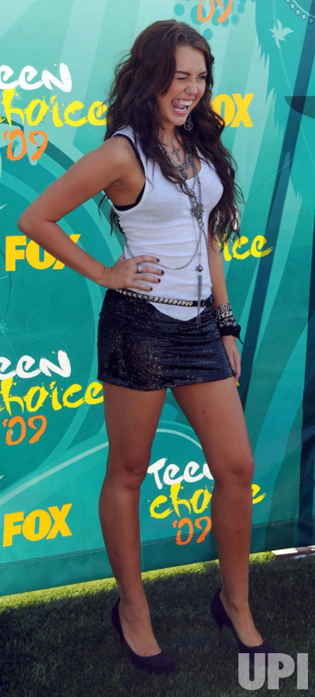 Miley Cyrus attends the Teen Choice 2009 Awards in Los Angeles