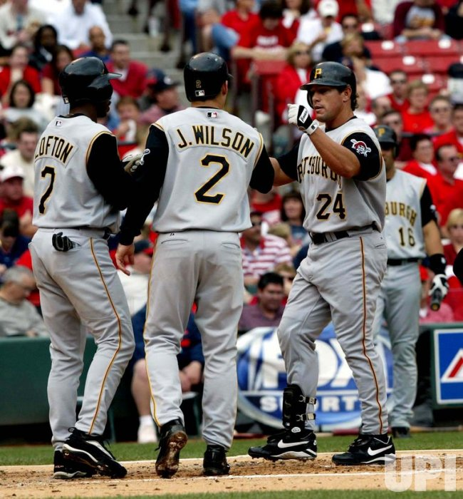 Pittsburgh Pirates vs St. Louis Cardinals' baseball