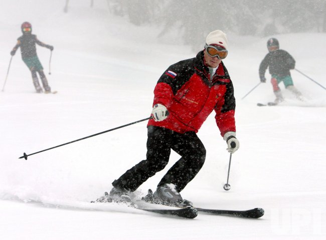 PRESIDENT PUTIN INPECTS A SKI RESORT IN SOCHI PROPOSING TO HOLD THE 2014 OLYMPIC GAMES