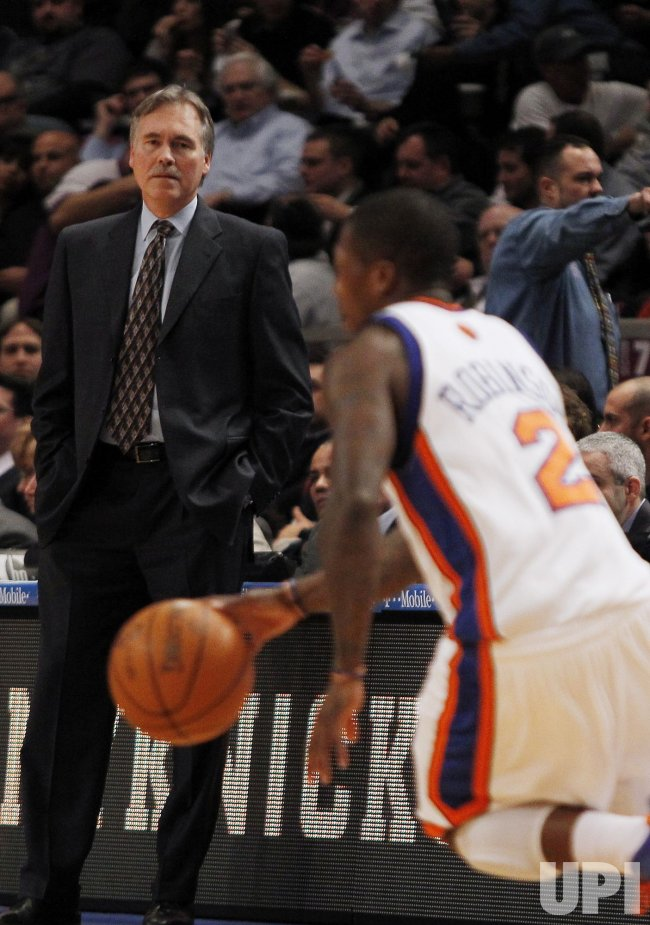 New York Knicks Mike D'Antoni and Nate Robinson at Madison Square Garden
