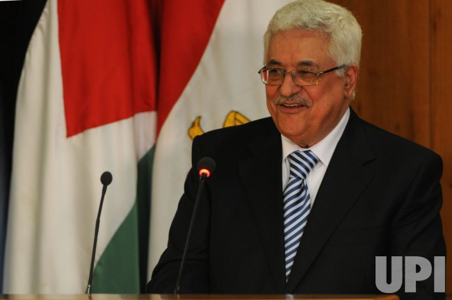 Fatah, Hamas sign reconciliation accord in Cairo