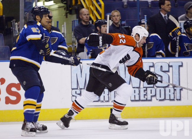 PHILADELPHIA FLYERS VS ST. LOUIS BLUES HOCKEY