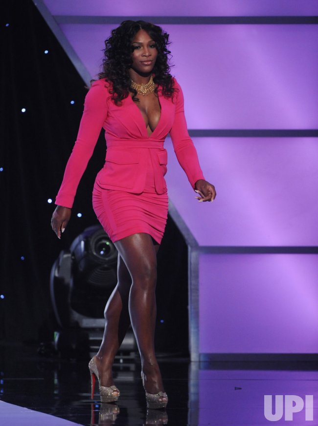 Serena Williams walks on stage at the ESPY Awards in Los Angeles
