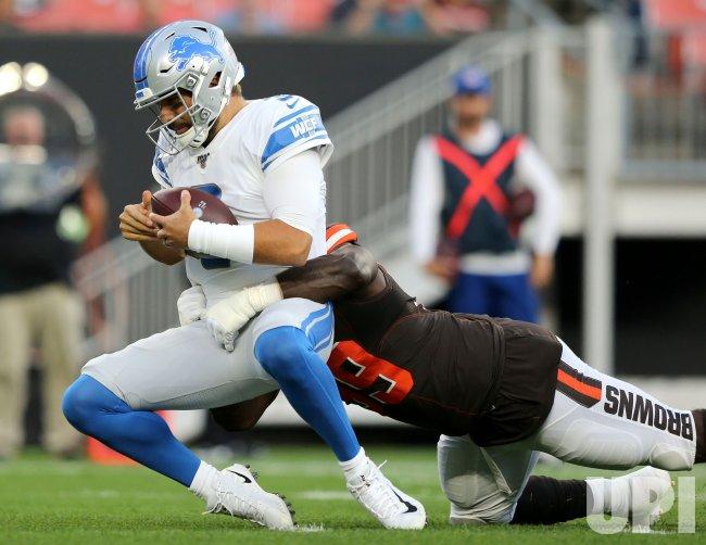Browns Lawrence sacks Lions Savage