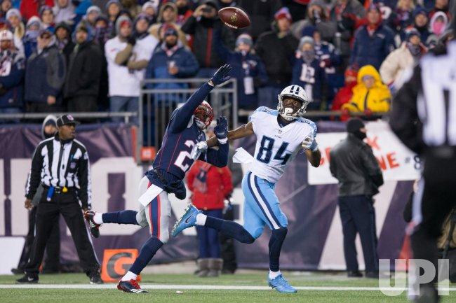 Titans Davis scores against Patriots in AFC Divisional playoff