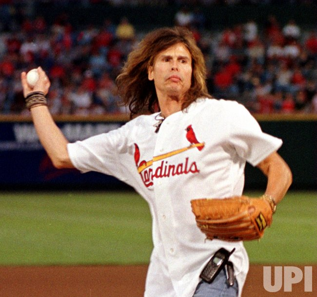 Steven Tyler throws the first Cardinals pitch
