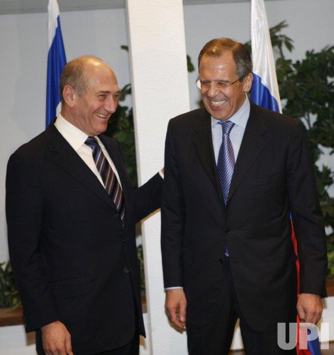Russian Foreign Minister Lavrov meets Israeli Prime Minister Olmert in Tel Aviv