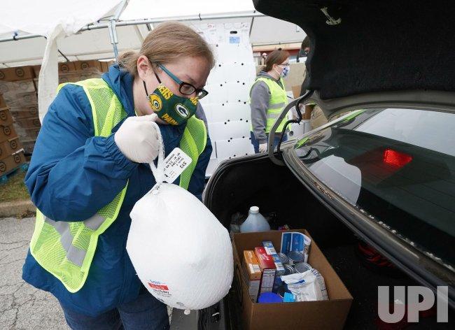 St. Louis Urban League Hands Out Turkeys