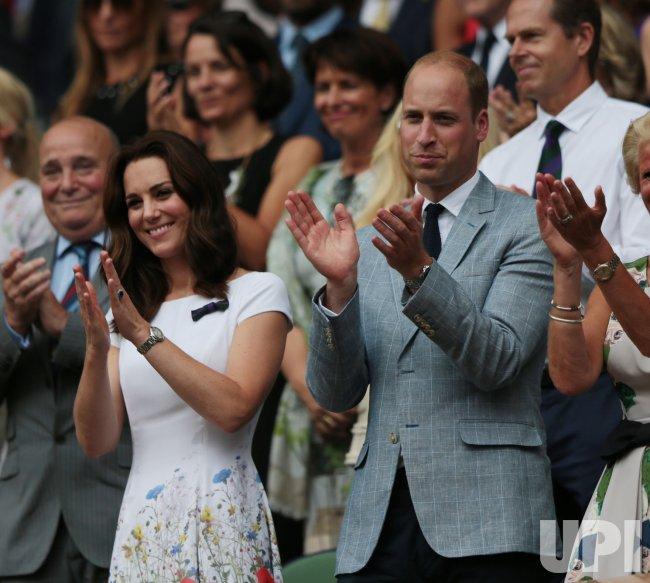 Roger Federer wins Men's Final at Wimbledon