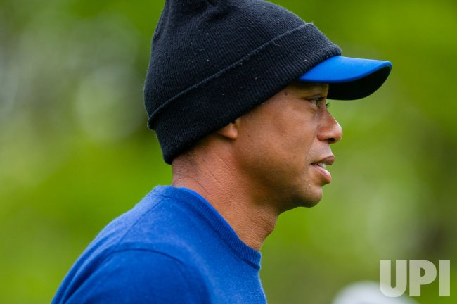 tiger woods practices for the pga championship at bethpage