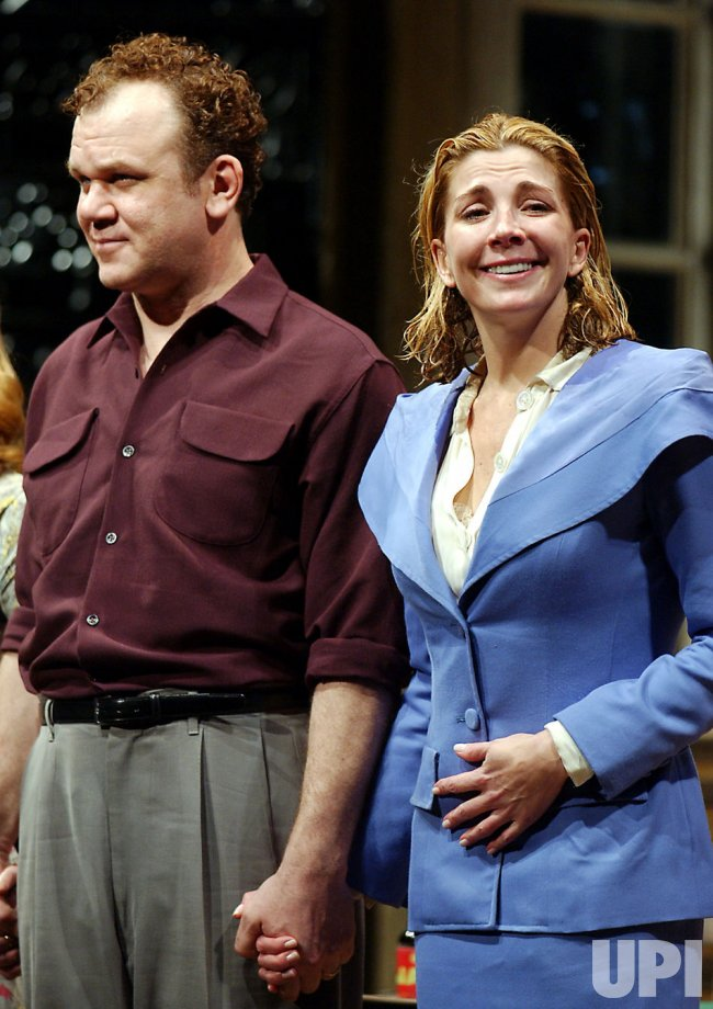"NATASHA RICHARDSON OPENS IN ""A STREETCAR NAMED DESIRE"""