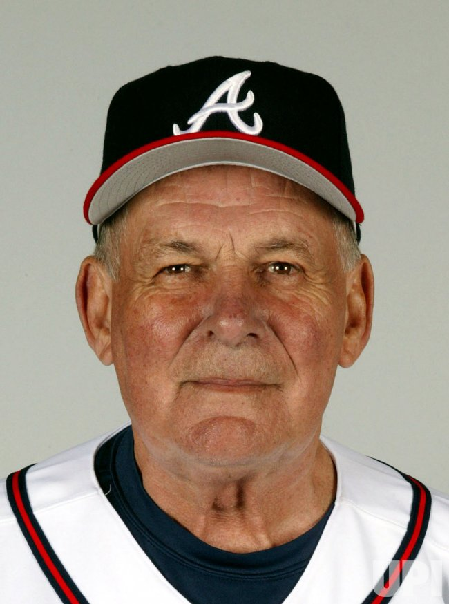 ATLANTA BRAVES BOBBY COX WINS NATIONAL LEAGUE MANAGER OF THE YEAR