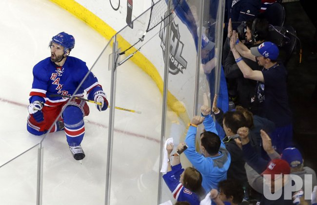 Montreal Canadiens vs New York Rangers in game 4 of the NHL Eastern Conference finals