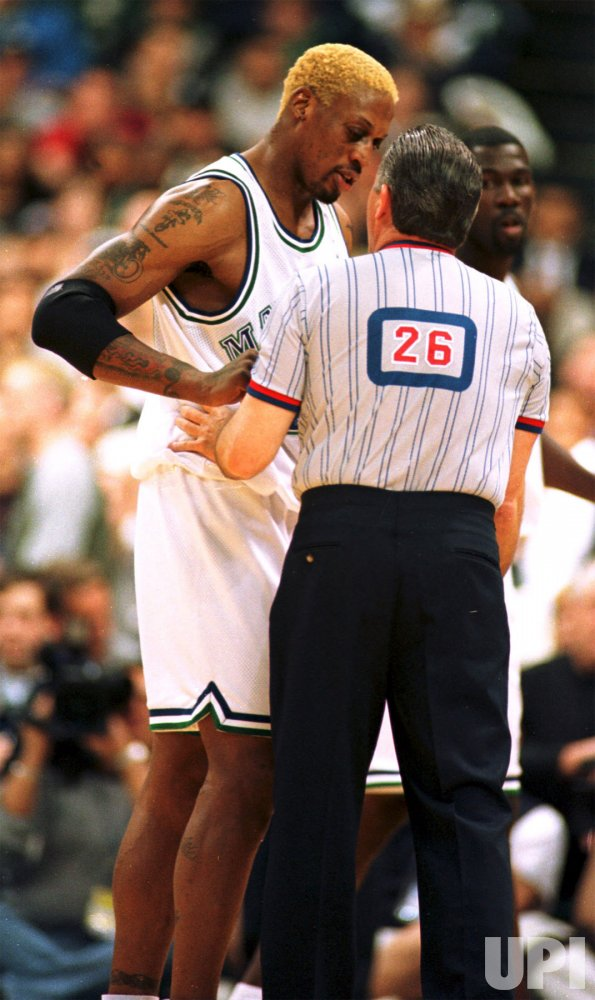 Rodman returns to NBA