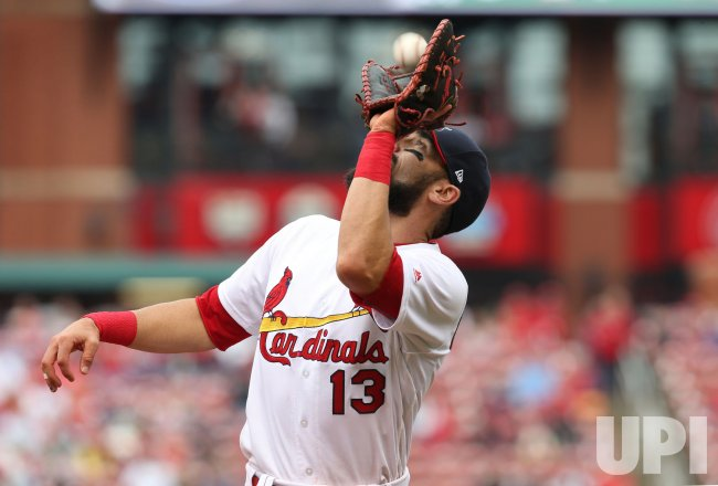 St. Louis Cardinals Matt Carpenter makes catch