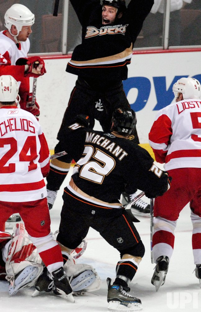 ANAHEIM MIGHTY DUCKS VS DETROIT RED WINGS WESTERN CONFERENCE FINALS