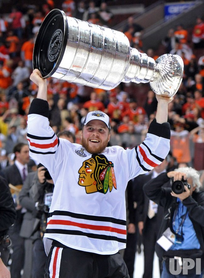 The Chicago Blackhawks win the 2010 Stanley Cup Playoffs in Philadelphia