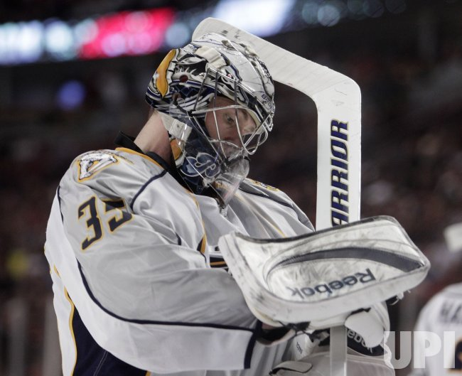 Predators Rinne breaks against Blackhawks in Chicago