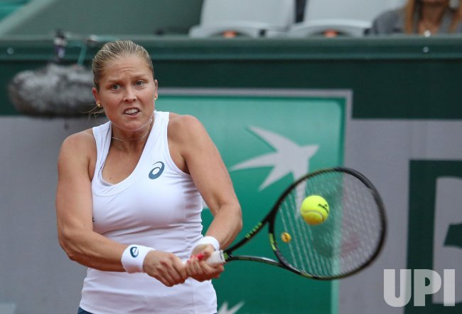 Shelby Rogers plays her quarterfinal match at the French Open