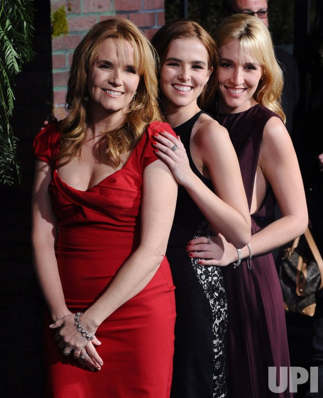 "Lea Thompson and her daughters Zoe Deutch and Madelyn Deutch attend the ""Beautiful Creatures"" premiere in Los Angeles"
