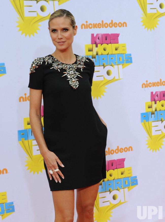 Heidi Klum arrives at the Nickelodeon Kids Choice Awards in Los Angeles
