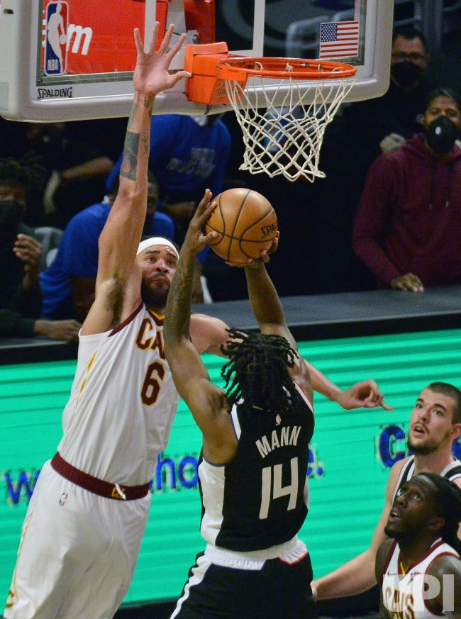 Without Stars Kawhi Leonard and Paul George, Clippers Outsparkle Cavaliers