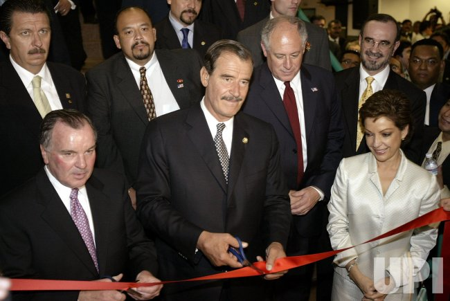VICENTE FOX VISITS CHICAGO