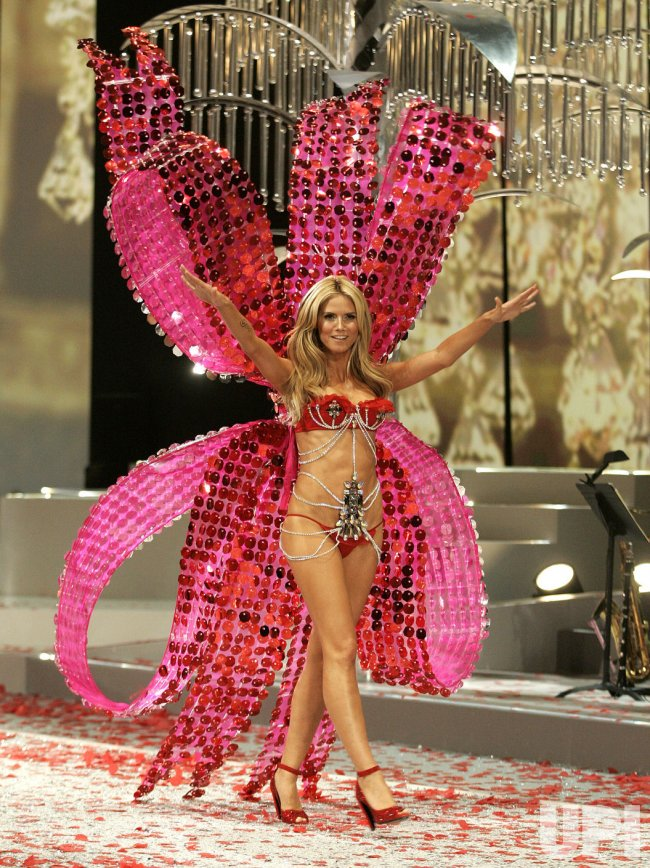 Victoria's Secret Fashion Show in Miami Beach
