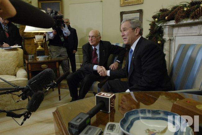 President Bush meets with Italian President Giorgio Napolitano in Washington