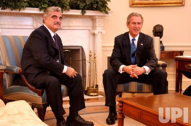 President George W. Bush meets with Lebanese Prime Minister Rafik al-Hariri