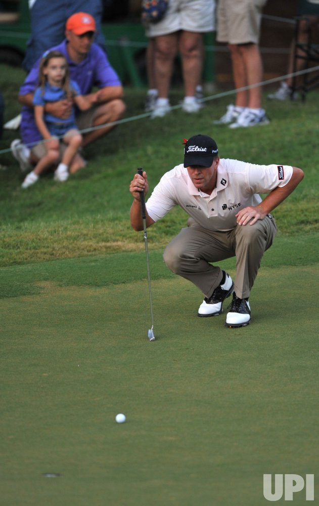 Steve Stricker lines up a birdie putt attemp during the TPC Players in Florida