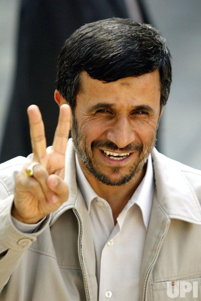 Iran's President Mahmoud Ahmadinejad meets Bolivian President Evo Morales in Tehran
