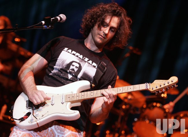 DWEEZIL ZAPPA PERORMS IN CONCERT