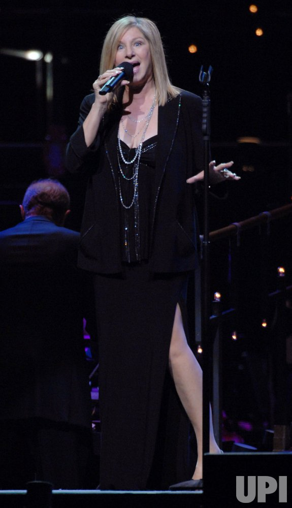 BARBRA STREISAND PERFORMS FINAL SHOW OF NATIONAL TOUR IN LOS ANGELES