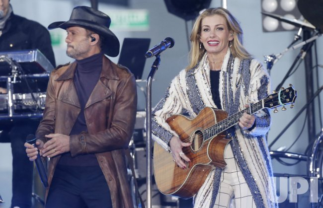 Tim McGraw and Faith Hill perform on NBC Today Show