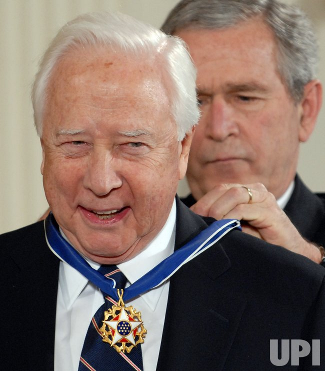 PRESIDENT BUSH AWARDS MEDALS OF FREEDOM