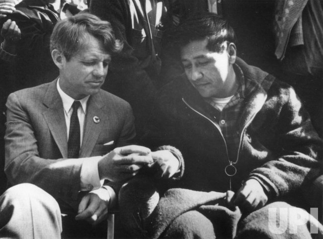 Cesar Chavez breaks hunger strike with Robert F. Kennedy