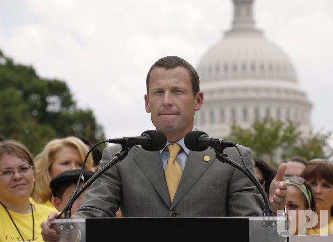 LANCE ARMSTRONG HOLD A NEWS CONFERENCE WITH CANCER SURVIVORS