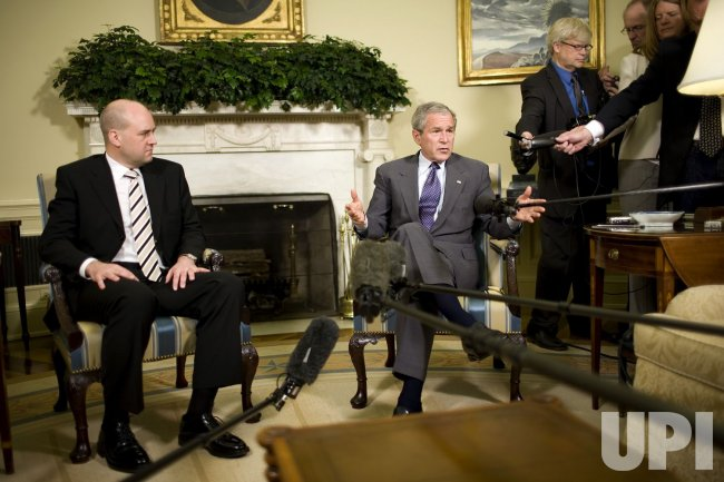 U.S. PRESIDENT BUSH MEETS WITH SWEDISH PM REINFELDT IN WASHINGTON
