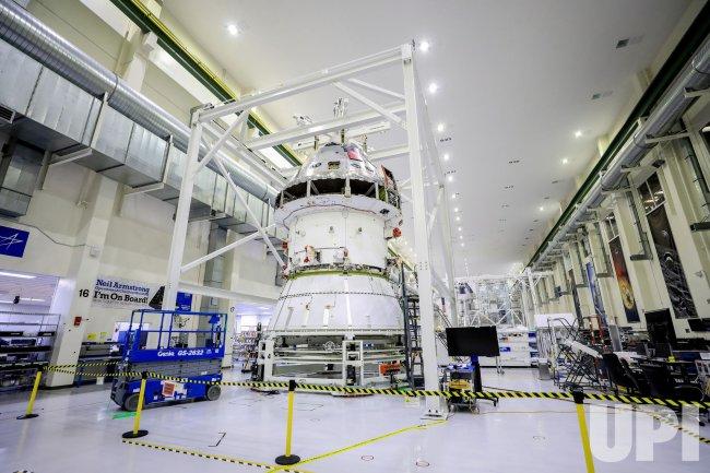 NASA Begins Installing Orion Adapter for First Artemis Moon Flight