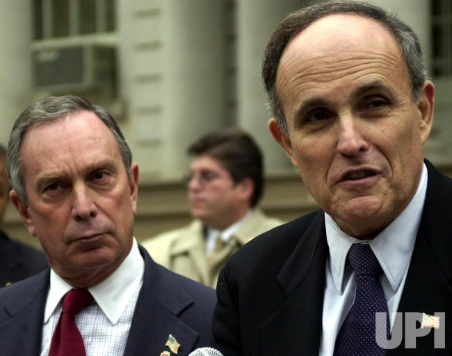 NEW YORK MAYOR GIULIANI ENDORSES MIKE BLOOMBERG FOR MAYOR
