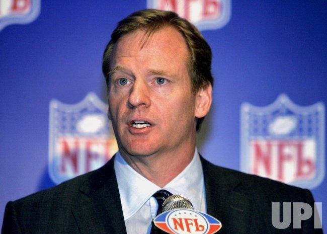 2006 NFL COMMISSONER ROGER GOODELL