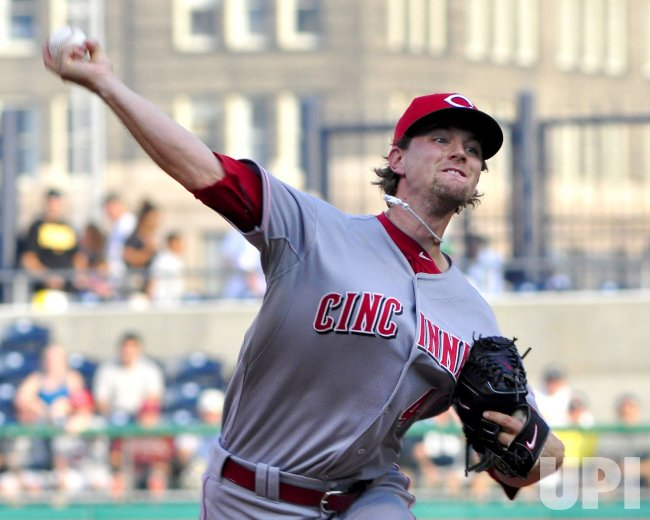 Reds pitcher Mike Leake starts against the Pirates in Pittsburgh