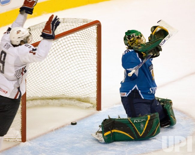 WORLD JUNIOR HOCKEY CHAMPIONSHIPS BRONZE MEDAL GAME, USA VS. FINLAND