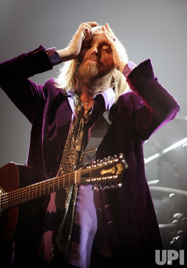 Tom Petty performs in concert in Sunrise, Florida
