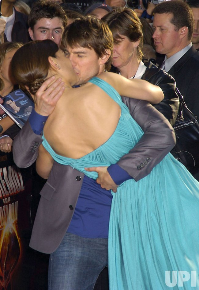 "TOM CRUISE FILM PREMIERE ""WAR OF THE WORLDS"""